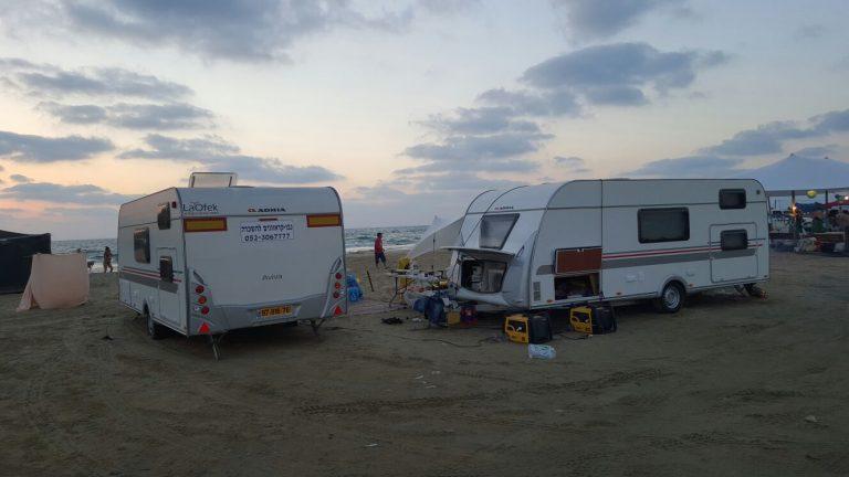 קרוואנים בחוף הים
