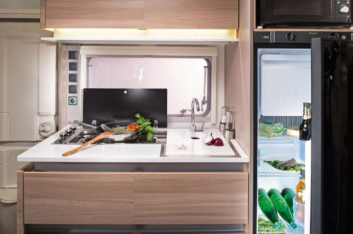 קרוואן דגם דן - מטבח מצוייד